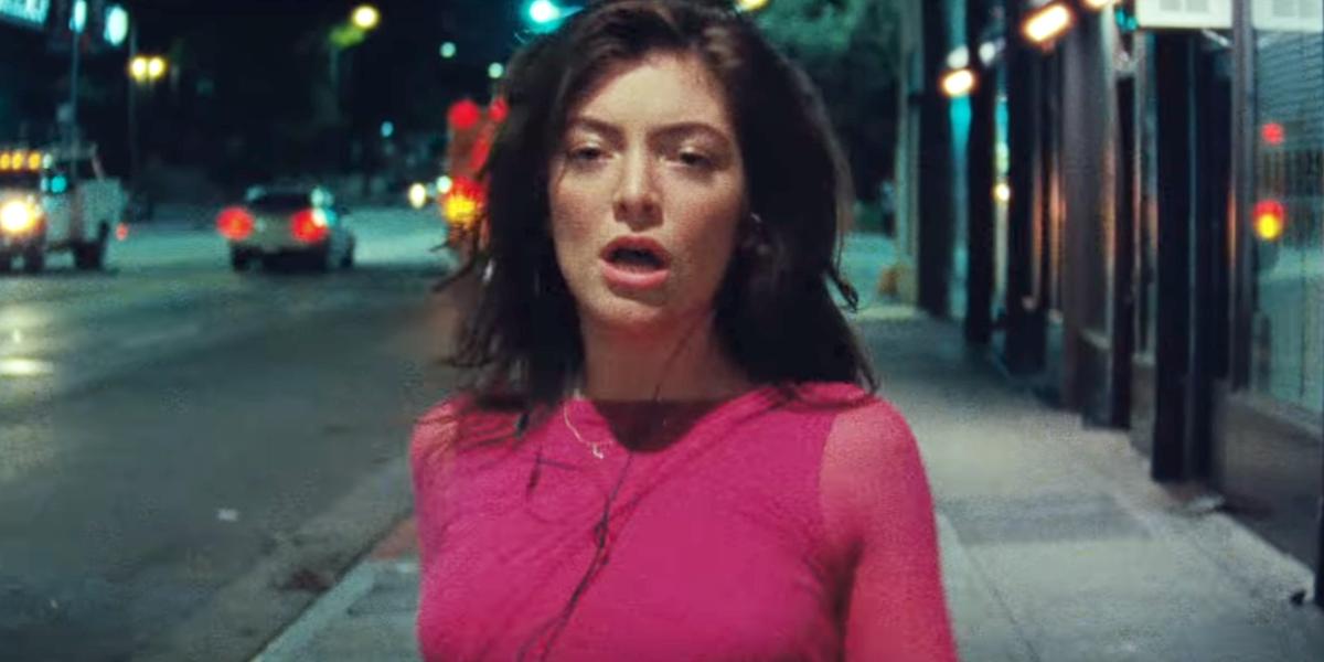 Lorde no clipe de Green Light