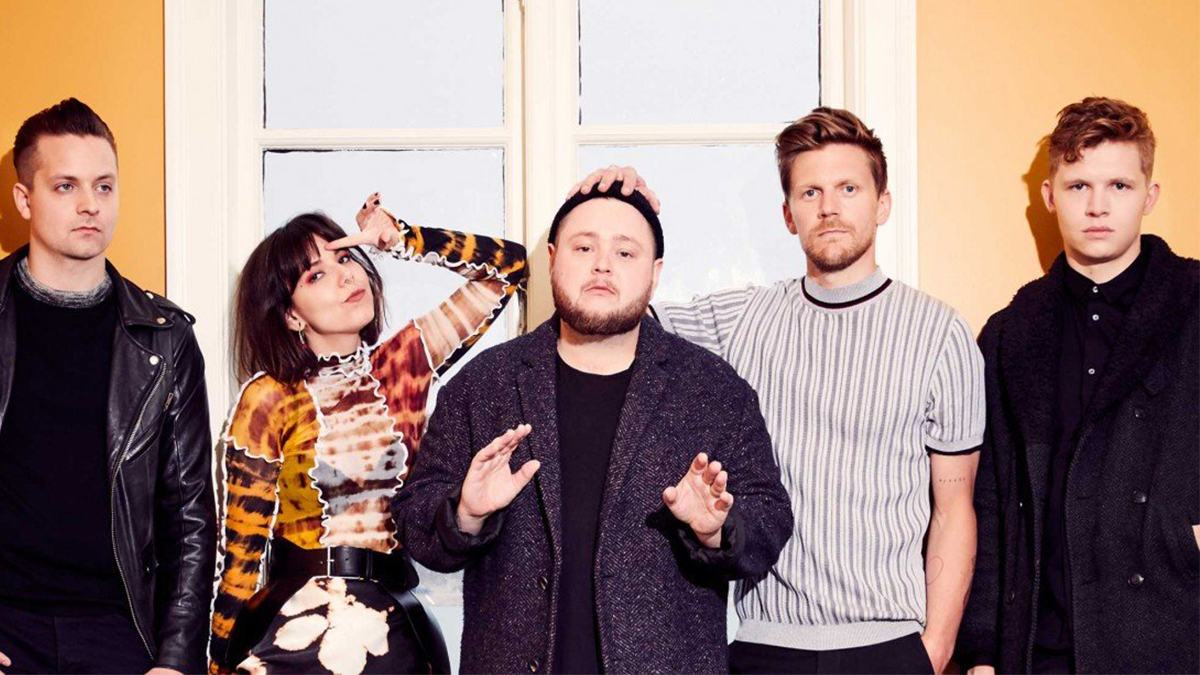 "Banda indie Of Monsters and Men para divulgar o álbum ""Fever Dream"""