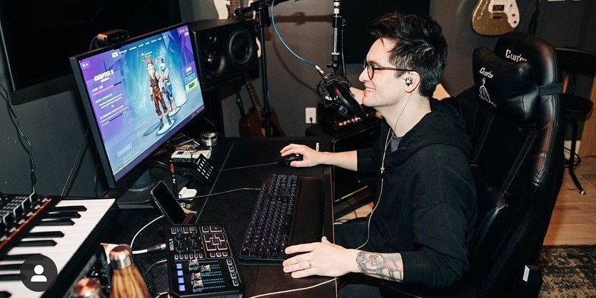 Brendon Urie para a Highest Hopes Foundation