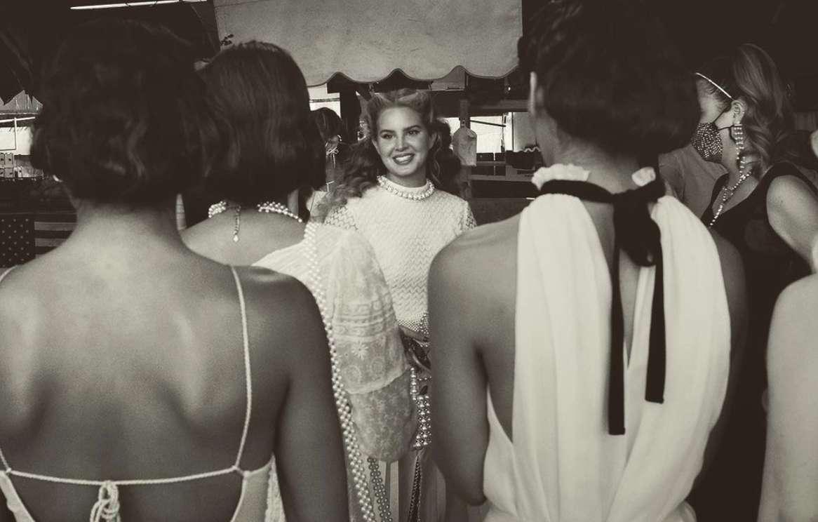 Lana Del Rey Chemtrails